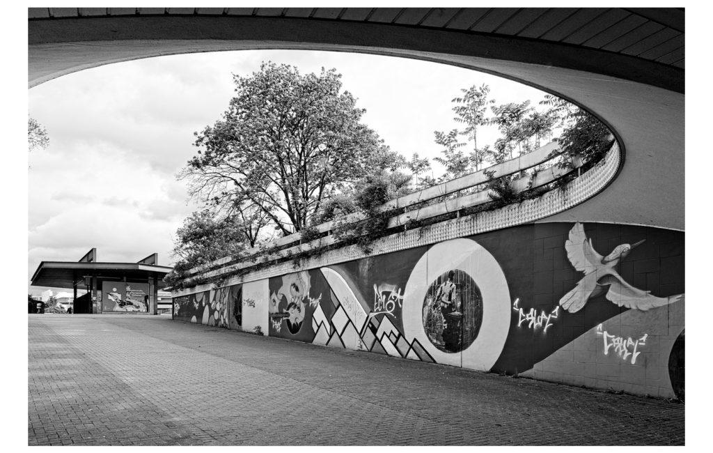 """""""Sehgymnastik schwarz/weiß"""" am Hauptbahnhof Ludwigshafen"""