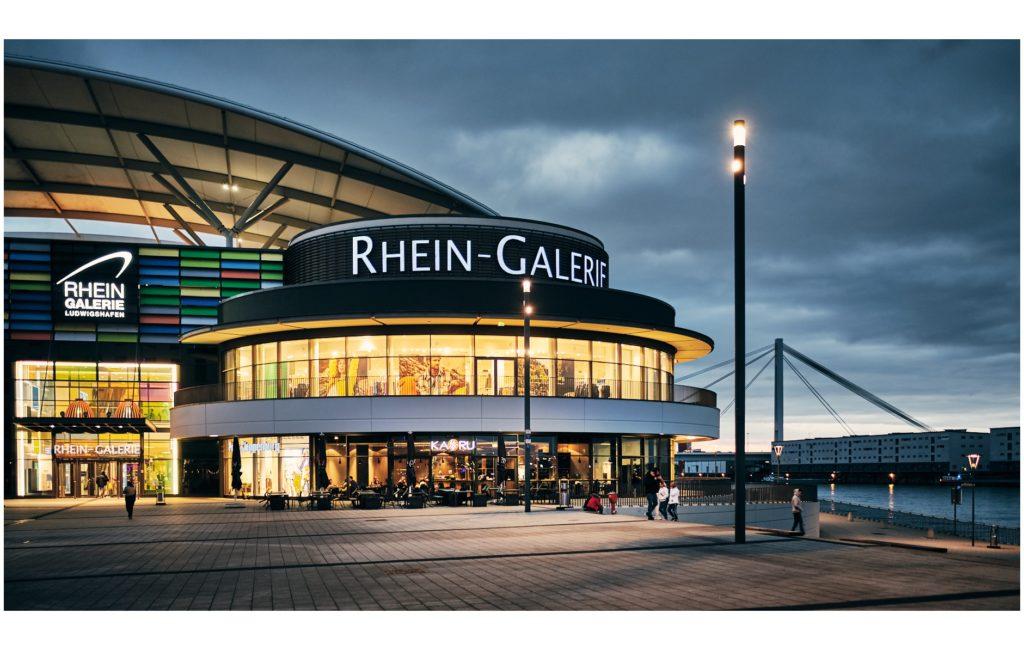Vom Rathauscenter zum Rhein